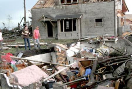 Deadly tornadoes tear up Minnesota