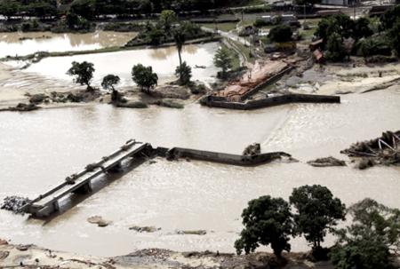 Flooding kills 41 in Brazil