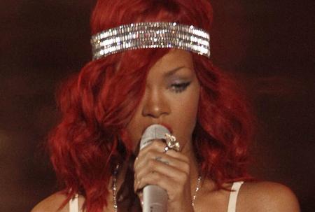 Rihanna goes country