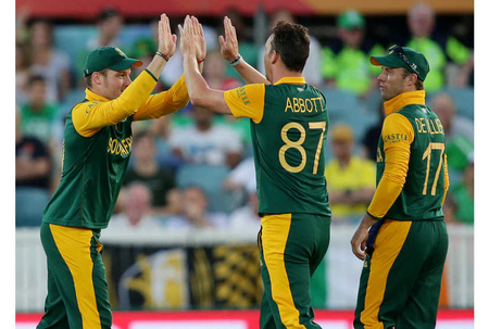 Amla helps South Africa to big total in 201-run win against Irish