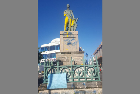 Statue of Lord Nelson defaced