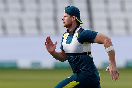 Smith shrugs off Pooran's ball-tampering