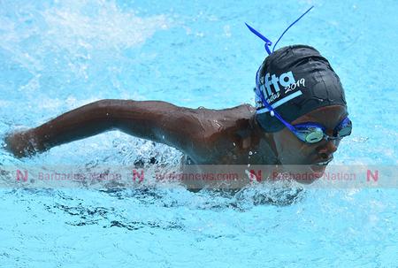 Sisnett, Sobers star in the pool