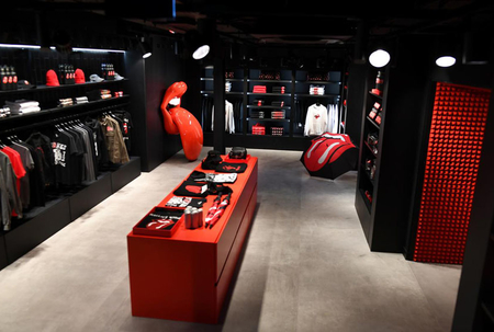 Rolling Stones opening shop in London