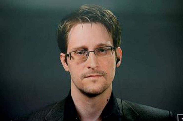 Snowden granted permanent residency in Russia, lawyer says