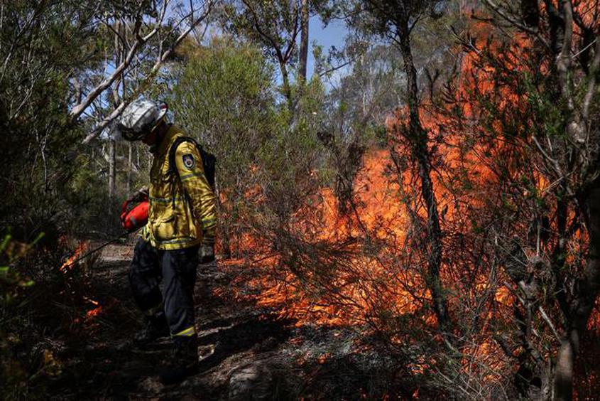 Longer wildfire season as Australia gets warmer