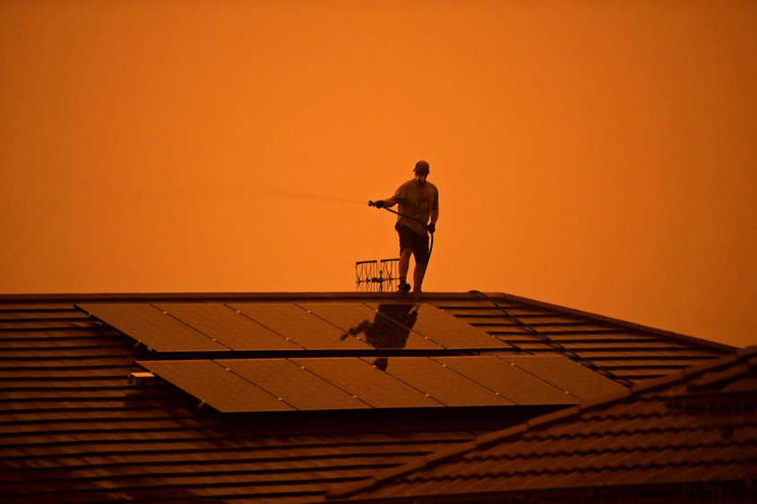 Australia bracing for heat and fires