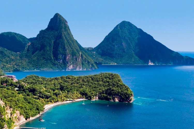 St Lucia police detain migrants from Martinique