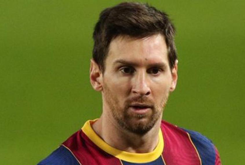 Messi joining PSG; flies to Paris
