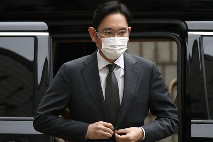 Samsung heir jailed for bribery