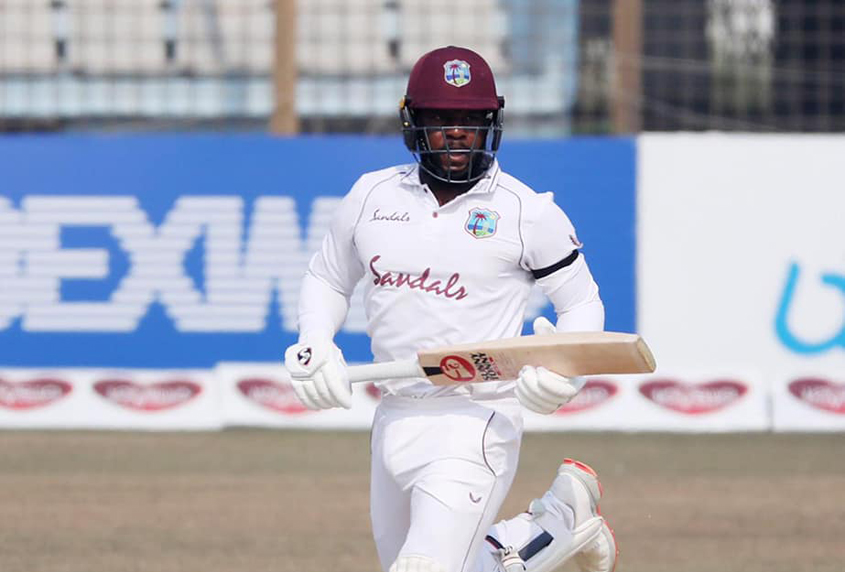 Mayers, Chase get fifties