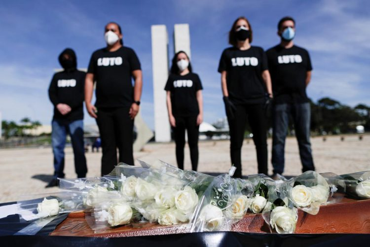 Brazil records more than 4 000 deaths related to COVID-19 in 24 hours