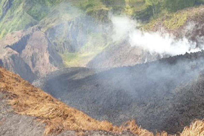 Scientists warn of possible La Soufriere eruption