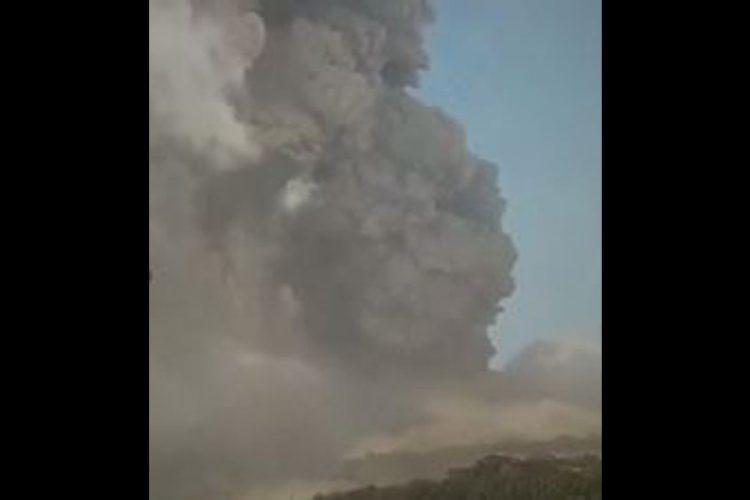 La Soufriere Volcano erupts explosively again