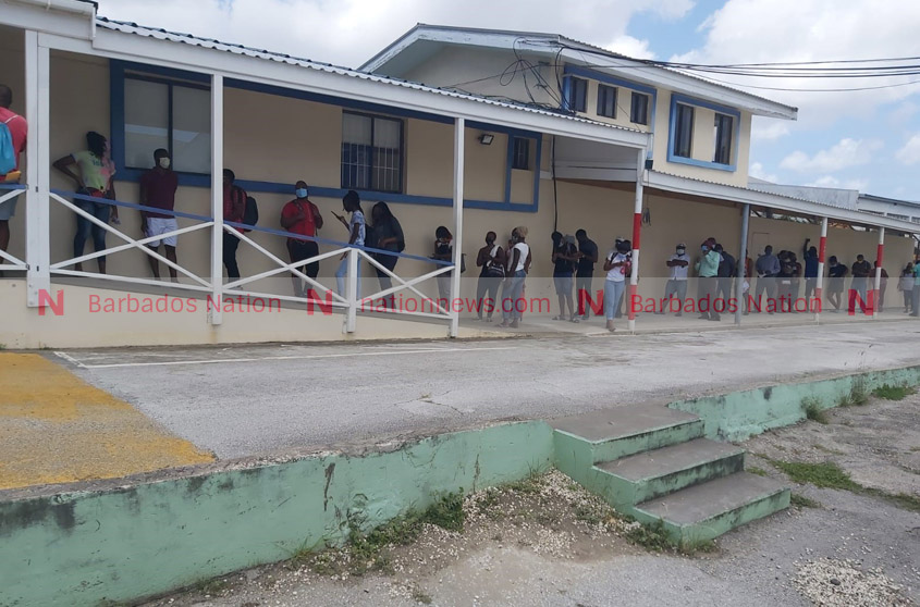 Long lines at Licensing Authority