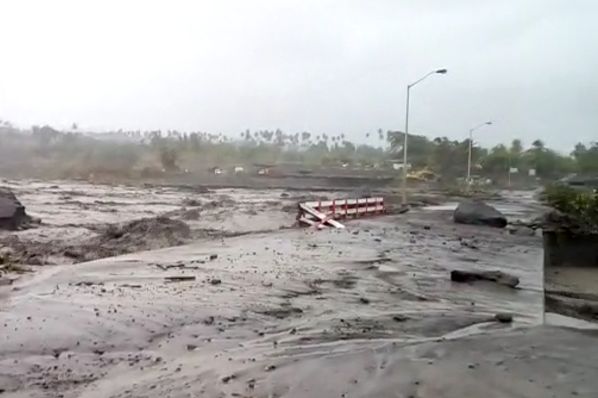 Heavy rains cause mudflows, flooding in St Vincent