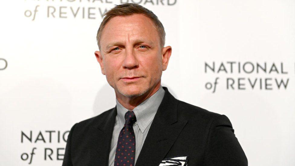 Bond movies to be screened in cinemas, despite Amazon deal