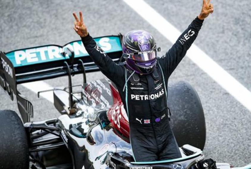 Hamilton wants new Mercedes contract before F1 summer break