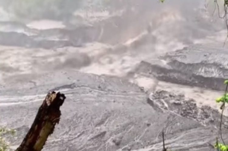 More mud flows from La Soufriere