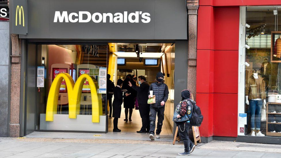 McDonald's hoping to 'fill 20 000 roles' in UK