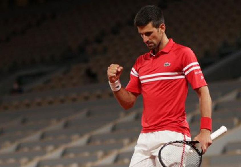 Djokovic reaches French Open semi-final