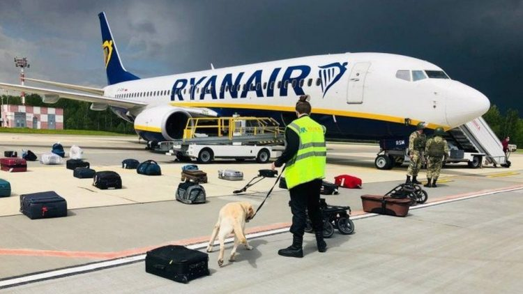 Pilot had no choice but to land in Minsk, says Ryanair boss