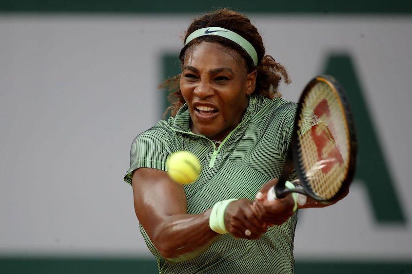 Serena through to French Open third round