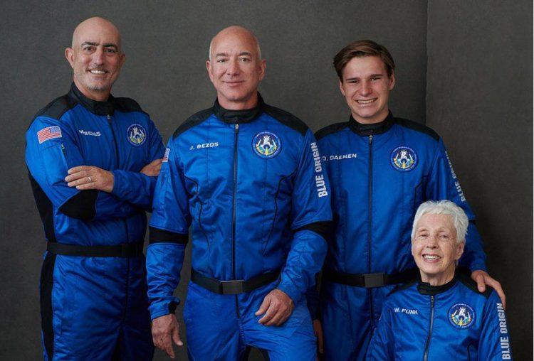 Bezos and crew enjoy trip to space