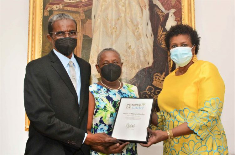 GG presents Headleys with Commonwealth Points of Light Award