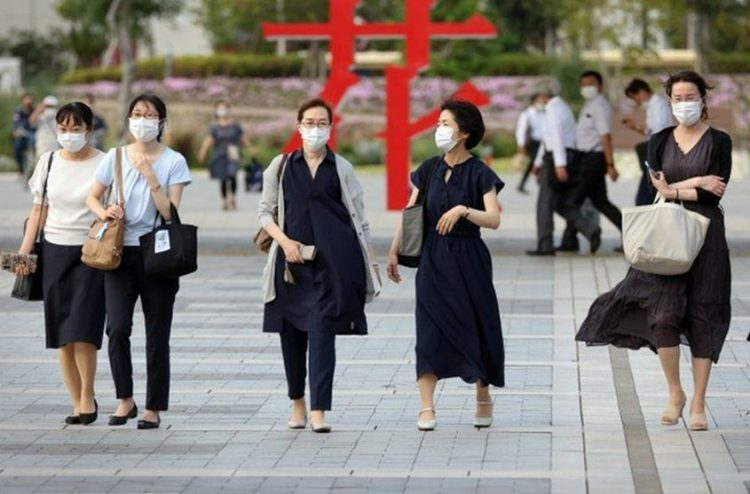 Japan extends state of emergency in Tokyo as COVID-19 cases spike