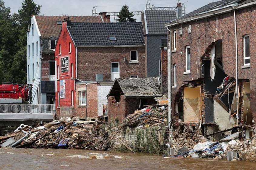 Massive cleanup after floods in Europe