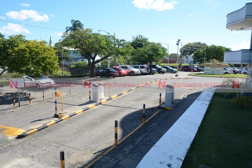 Regular traffic flow at QEH on Monday