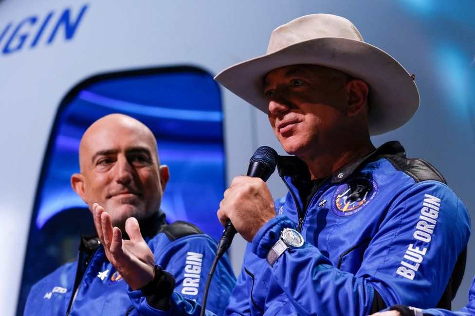 Bezos offers US$2bn to assist race to the Moon