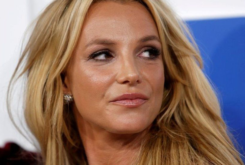 Britney Spears' father giving up conservatorship