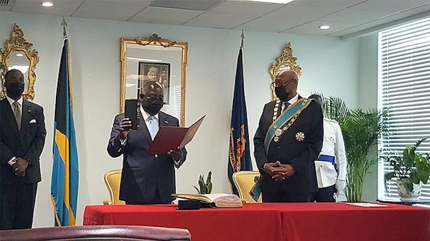 Davis sworn in as Prime Minister of Bahamas