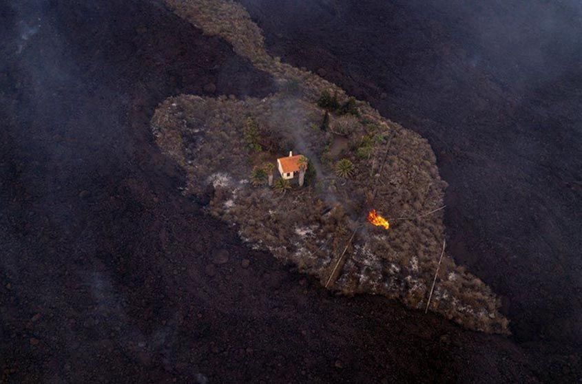 La Palma 'miracle house' swallowed by lava, say owners