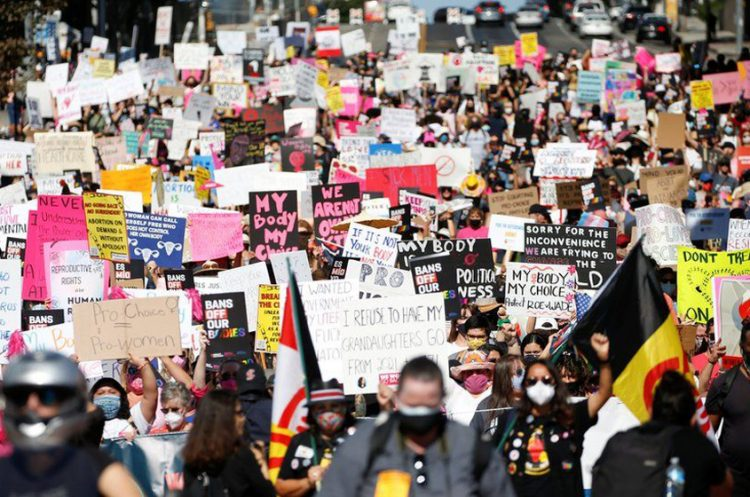 Thousands march to protect abortion rights