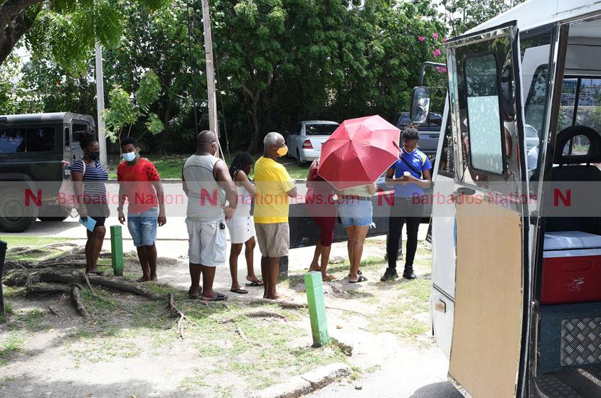 واحد متحرک واکسن به ساحل پبلز می رود